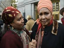Hawa Bah, mère de Mohamed (D) Kadiatou Diallo, mère de Amadou Diallo (G), crédit Photo Daily News